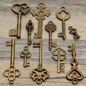 llaves antiguas pequeñas