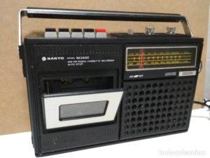 radios antiguas sanyo