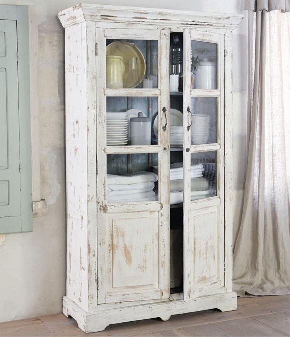 vitrinas antiguas blancas
